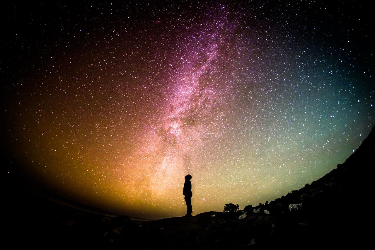 七夕の夜に光り輝く天の川