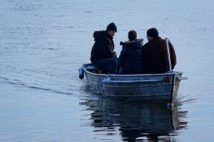 排他的経済水域で漁をする漁民