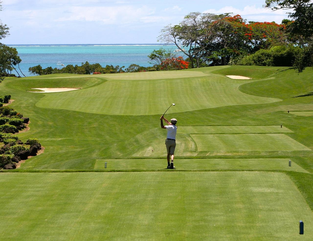 ゴルフコースとゴルファー